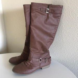 Women's Size 8 Knee High Boots